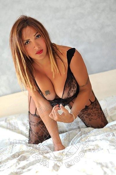 Nadia Villareal  NAPOLI 3349613206